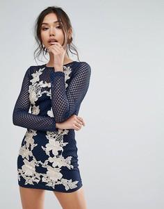 Сетчатое облегающее платье с длинными рукавами и вышитыми розами Club L - Бежевый