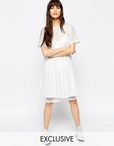 Двухслойное платье в фактурную клетку Le Kilt для ASOS - Белый