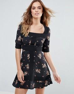 Чайное платье с цветочным принтом Millie Mackintosh - Черный