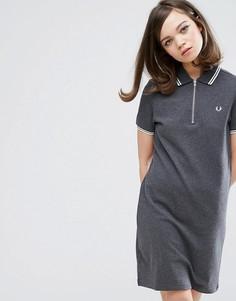 Платье с горловиной на молнии и контрастными полосками Fred Perry Authentic - Серый