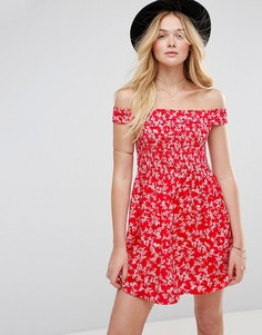 Летнее платье мини с красным цветочным принтом ASOS - Мульти