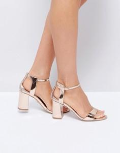 Босоножки на каблуке цвета розового золота Carvela - Золотой