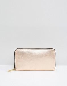 Кожаный кошелек цвета металлик на молнии ASOS - Золотой