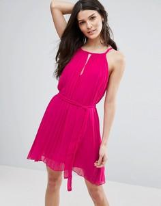 Плиссированное платье с вырезом капелькой Jasmine - Розовый