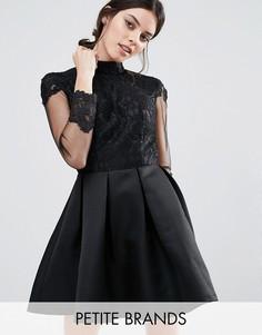 Платье для выпускного c длинными рукавами и кружевным лифом Chi Chi London Petite - Черный