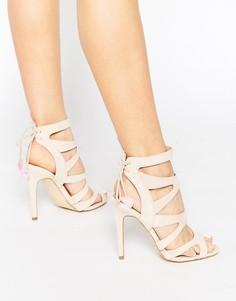 Босоножки с ремешками на каблуках Miss KG Frenchy - Бежевый