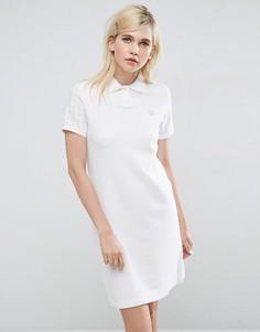 Платье с воротником поло и клетчатыми рукавами Fred Perry - Белый