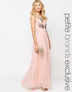 Платье макси с разрезом и цветочной отделкой лифа Chi-Chi London Petite - Розовый