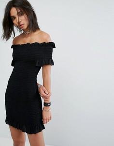 Платье с открытыми плечами и сборками Milk It Vintage - Черный