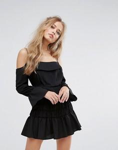 Ярусное платье с открытыми плечами Foxiedox - Черный