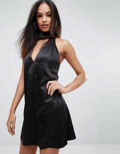 Короткое приталенное платье с чокером Rare - Черный