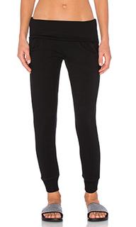 Спортивные брюки из мягкого флиса с закаткой на поясе - Beyond Yoga