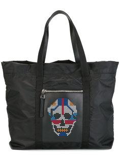 сумка-тоут с черепом из заклепок Alexander McQueen