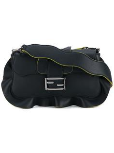 сумка на плечо Baguette с рюшами Fendi