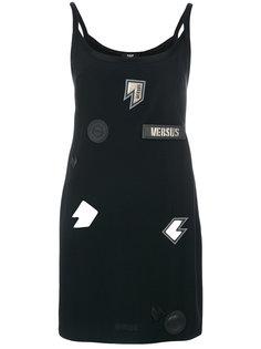 платье с нашивками  Versus