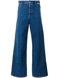 слегка расклешенные джинсы с высокой талией Y / Project