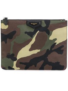 камуфляжный клатч Givenchy