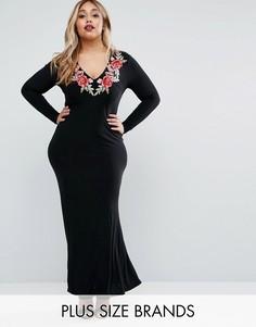 Платье макси с глубоким вырезом и вышивкой Club L Plus - Черный
