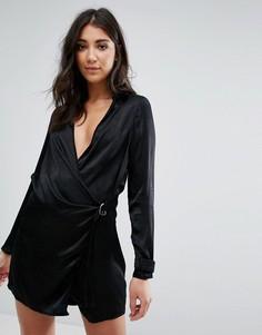 Черное матовое атласное платье с запахом и D-образным кольцом Missguided - Черный