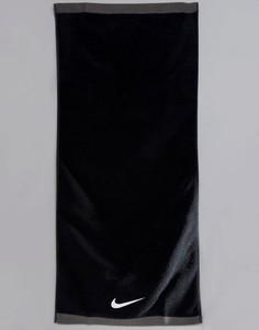 Черное полотенце Nike Training Fundamental Medium ET.17M-010 - Черный