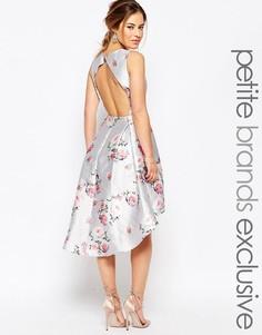 Асимметричное платье мини с открытой спиной и цветочным принтом Chi-Chi London Petite - Мульти
