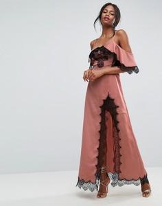 Платье макси с открытыми плечами и кружевными вставками ASOS - Розовый