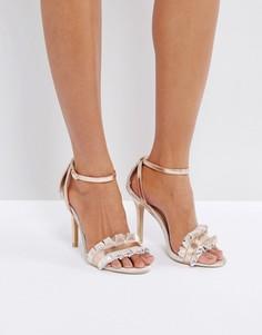 Золотистые босоножки на каблуке с рюшами True Decadence - Золотой