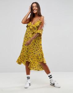Платье с оборками и цветочным принтом STYLENANDA - Желтый