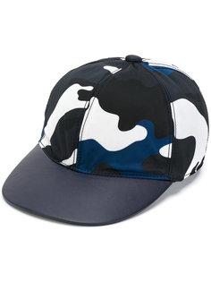 камуфляжная бейсбольная кепка Valentino