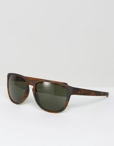 Солнцезащитные очки в черепаховой квадратной оправе Oakley - Коричневый