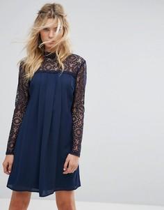 Свободное платье с высоким воротом и кружевной отделкой Elise Ryan - Темно-синий