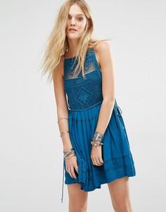 Платье с кружевной отделкой Free People Emily - Синий