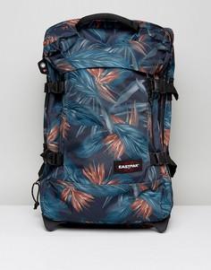 Чемодан для ручной клади с пальмовым принтом Eastpak Tranverz - Темно-синий