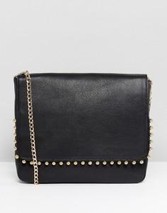 Кожаная сумка через плечо с золотистыми заклепками Urbancode - Черный