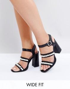 Черные босоножки на каблуке для широкой стопы с перламутровым эффектом Lost Ink - Черный