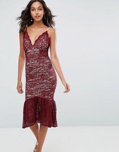 Кружевное платье миди с баской по краю и глубоким вырезом ASOS - Красный