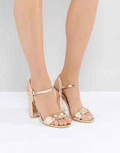 Розово-золотистые босоножки на каблуке с отделкой искусственным жемчугом Public Desire Oklahoma - Золотой