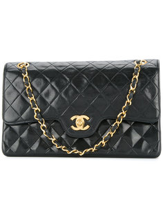 turn-lock design flap bag Chanel Vintage