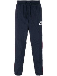 спортивные брюки с контрастными полосками сбоку Nike