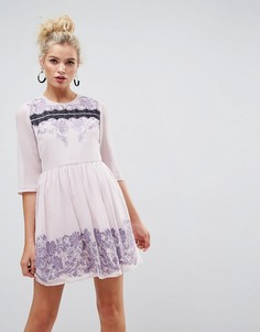 Платье мини с отделкой вышивкой и кружевом ASOS PREMIUM - Фиолетовый