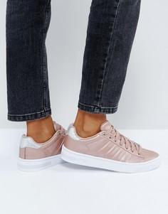 Женские низкие кроссовки