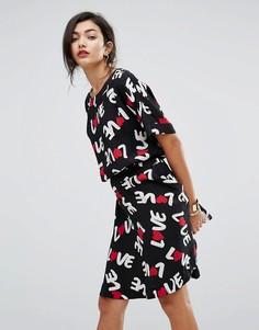 Короткое приталенное платье с принтом Love Love Moschino - Черный