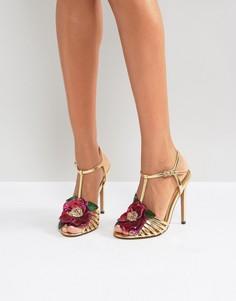 Золотистые босоножки на каблуке с отделкой цветком ASOS - Золотой