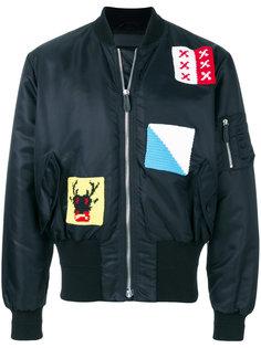 куртка-бомбер с заплатками J.W.Anderson