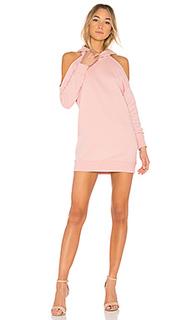 Платье-свитшот с открытыми плечами delia - by the way.