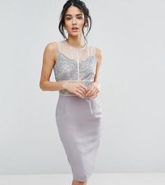 Платье-футляр с кружевом и контрастными вставками Elise Ryan - Серый