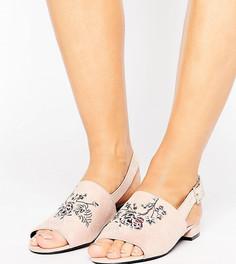 Босоножки для широкой стопы с ремешком через пятку и вышивкой New Look - Бежевый