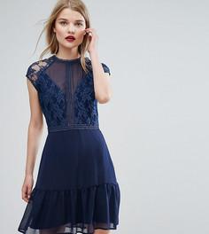 Платье мини с контрастным кружевом и баской Elise Ryan - Темно-синий
