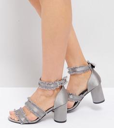 Серые босоножки на каблуке с необработанными краями The March - Серый