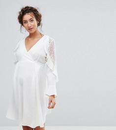 Платье с кружевом и оборками на рукавах Queen Bee Maternity - Белый